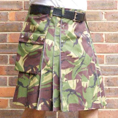 Camouflage reflective kilt